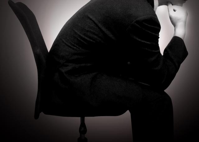 サラリーマンが副業で続けられない稼げない理由は恐ろしい呪縛があるからなのです・・・・。